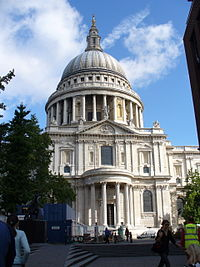 St. Pauls Cathedral with dome.jpg