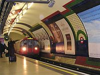 Piccadillycircus tube station.jpg